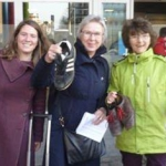 """Action """"chaussures"""" à la veille de la COP21 avec Justine Di Prima, Alma De Walsche et Antoinette Brouyaux"""