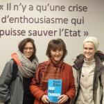 Trois petites Belges se retrouvent à l'issue du débat, sous l'inscription inspirante d'une phrase d'Olympe de Gouges: Stéphanie Hermant, Antoinette Brouyaux, Laure Kervin